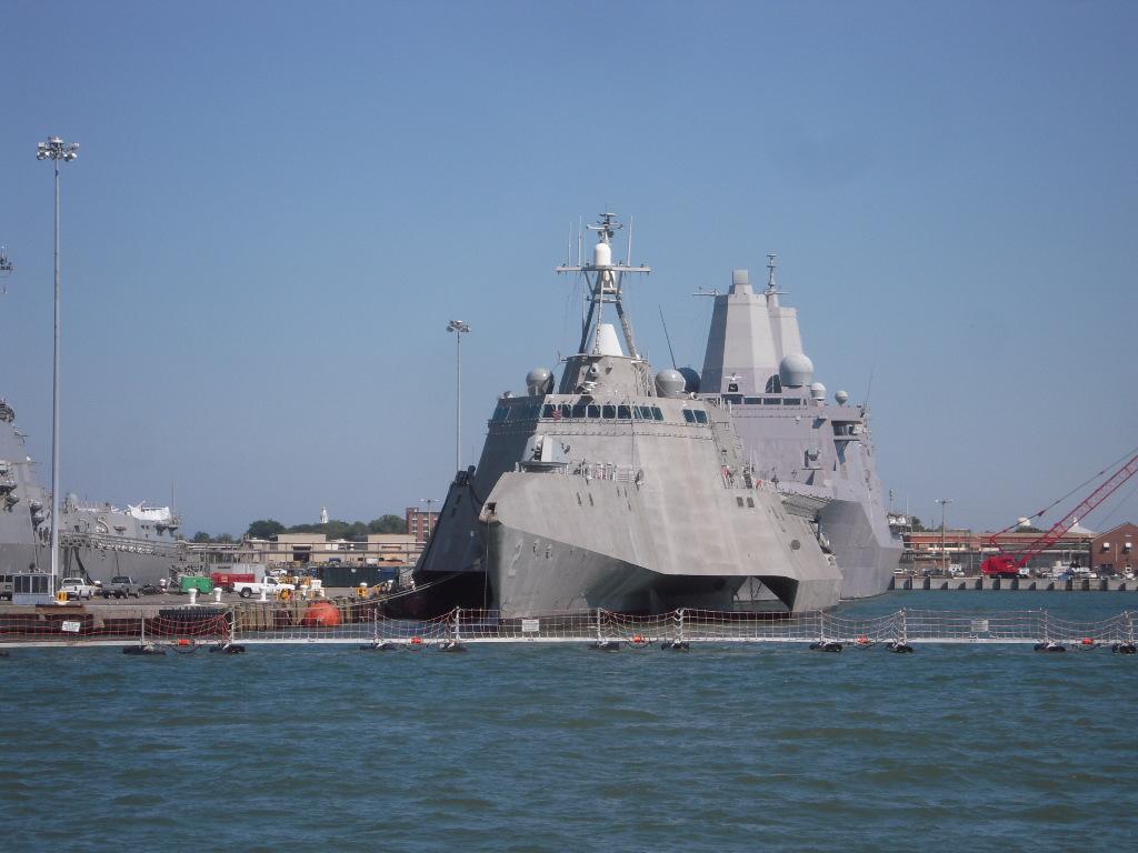 インディペンデンス級沿海域戦闘艦の画像 p1_23